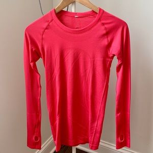Lululemon Women's Long Sleeve Shirt ~ Size 4